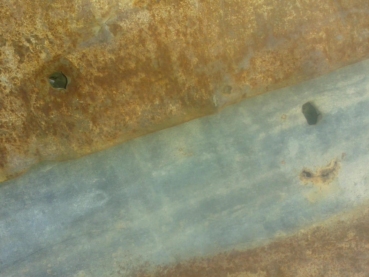 Marcas de balas de plomo en la ruka de la lof